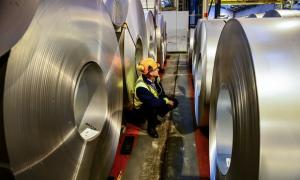 Greg Clark, the business secretary, says the manufacturing sector should seize the opportunities presented by digital technologies.