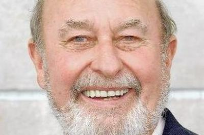Lord Pendry Takes It on The Chin Over Foxhunting, Hereditary Right to House of Lords, and Manuka Honey