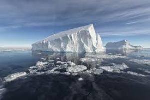 Titanic and Erebus Flight Disasters share Icily Eerie Similarities