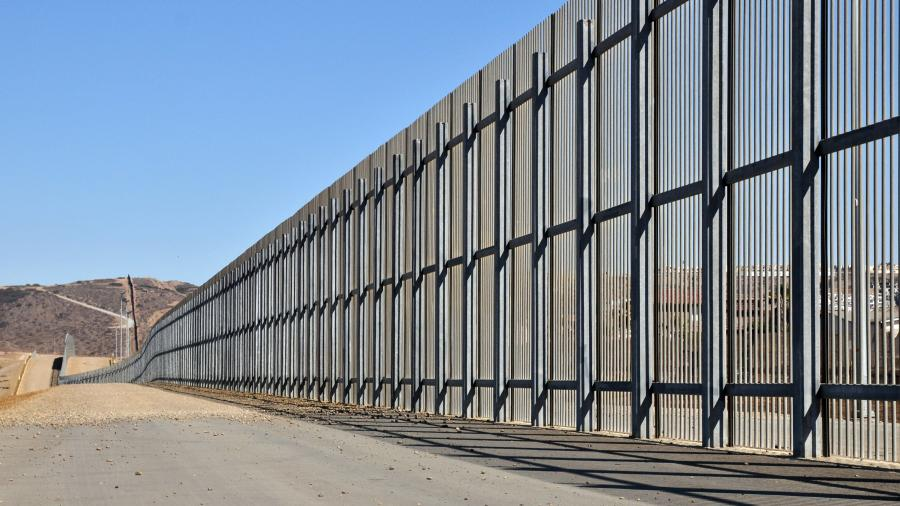 Architects will have five days to submit proposals for Trump's border wall