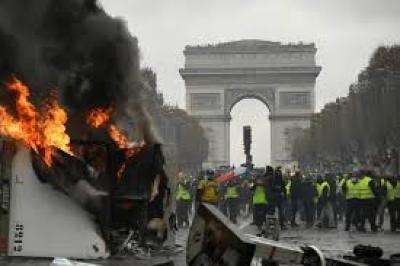 Champs Elysees Trashing Signals Volatility in Appeasing Eco-Elites at Expense of Workers