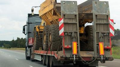 Transport equipment and machinery boost manufacturing