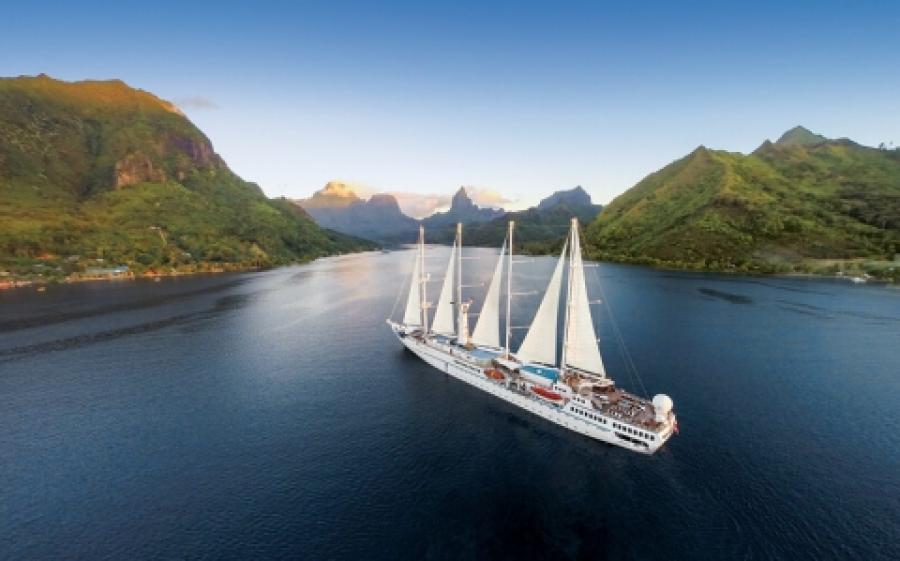 Tahiti & Tuamotu Islands