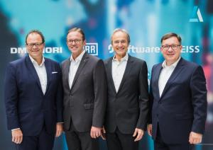 From left: Christian Thönes, CEO DMG Mori AG; Ralf W. Dieter, CEO Dürr AG; Karl-Heinz Streibich, CEO Software AG; Thomas Spitzenpfeil, CFO/CIO Carl Zeiss AG