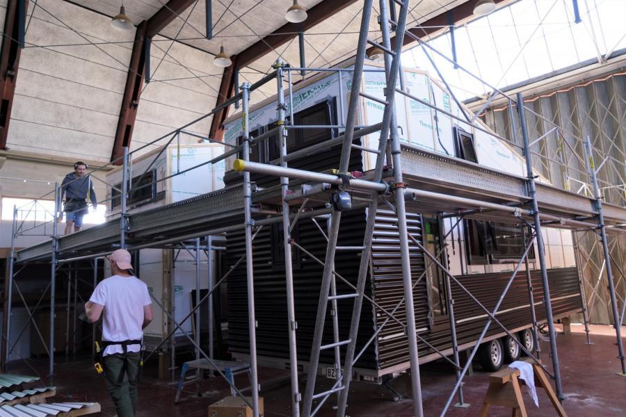 Jamie Coey (on scaffold) and Thomas Kett (on ground)