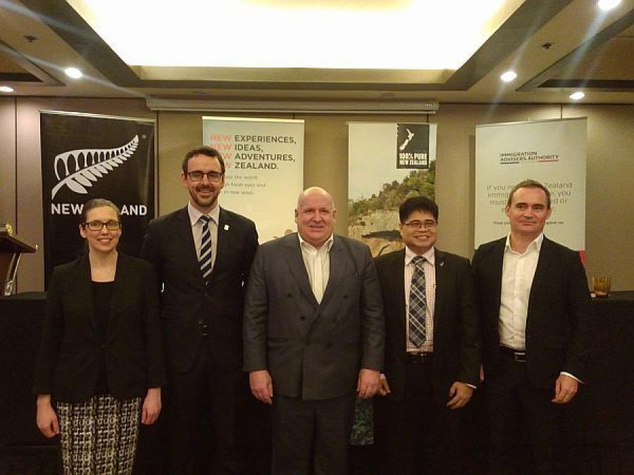 New Zealand Ambassador David Strachan (center) leads an 11-member delegation to Cebu to look into possible areas here to invest into.