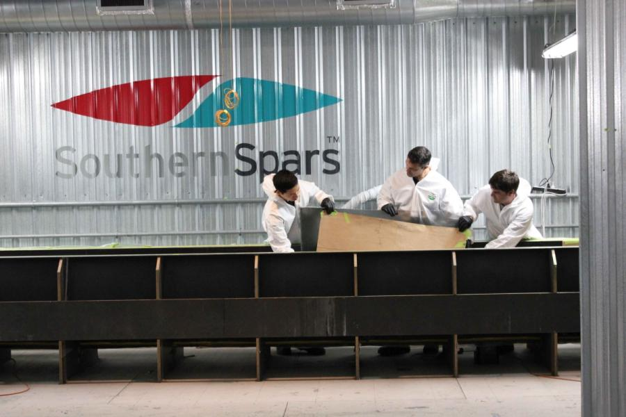 Southern Spars  to build Emirates Team New Zealand's boat for the 35th America's Cup.