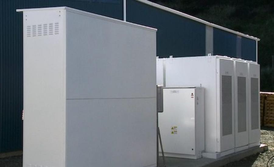 Tesla Powerpack battery added to wind turbine at NZ salt factory
