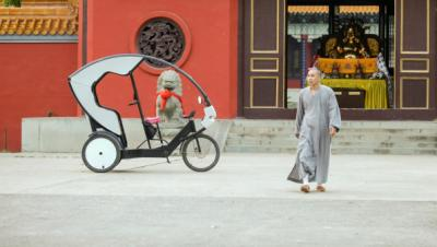 The Electric Rickshaw - Buddha Pedal Power v Cars in Asian cities