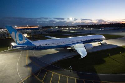 Boeing dreams bigger with new 787-10 Dreamliner